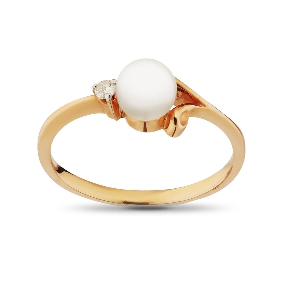 Кольцо с жемчугом и бриллиантом из золота